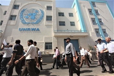 تجدد الأزمة بين الأونروا واتحاد العاملين فيها بالأردن