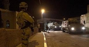 بالأسماء.. قوات الاحتلال تشن حملة اعتقالات في الضفة تركزت في رام الله والبيرة