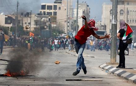 الانتفاضة والانقلاب