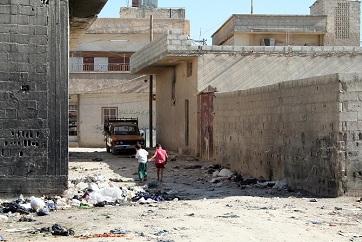 شكوى من نقص الخدمات وتردي البنى التحتية في مخيم الحسينية