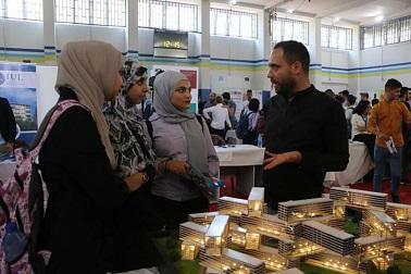 الاتحاد الأوروبي والأونروا يعرضان الخيارات المهنية المحتملة على طلاب سبلين