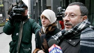 إطلاق سراح البروفيسور الأشقر في الولايات المتحدة وإبقاء جهاز تتبع في قدمه