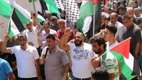 لليوم الثامن .. الإضرابات والإعتصامات تتواصل داخل المخيمات الفلسطينية