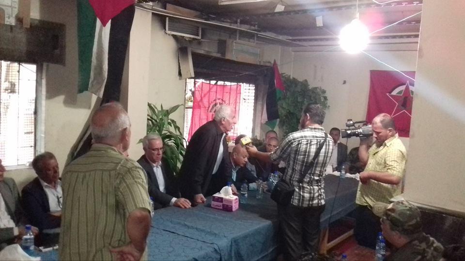 عبد الحميد يلتقي الأحمد خلال زيارة لمخيم اليرموك
