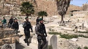 مقابر القدس شهود على التهويد