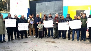 المتضررون في حي الطيرة يهددون بالتصعيد حتى تحقيق مطالبهم