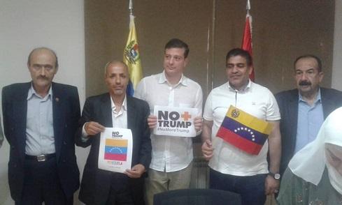 وفد من «الديمقراطية» في سفارة فنزويلا إستنكاراً للسياسات الأميركية ودعماً للرئيس مادورو