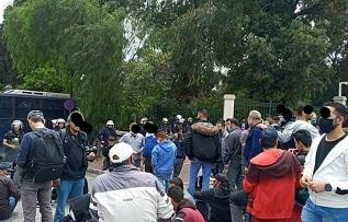 بماذا طالب اللاجئون المحتجون على قرارات إدارة الهجرة اليونانية