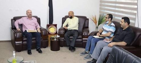 ابوهولي يبحث مع القائم بأعمال مدير الاونروا خطة التعافي بعد الحرب على غزة