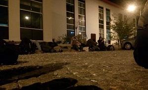 عائلات فلسطينية من سوريا داخل مخيمات على الحدود التركية-اليونانية