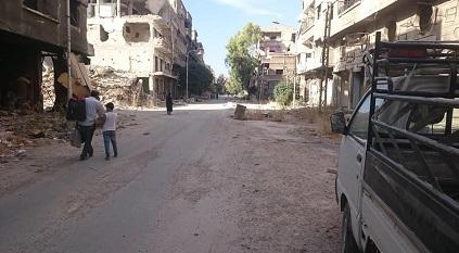مئات العائلات تدخل مخيم اليرموك لتفقد منازلها