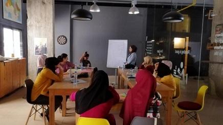 خدمة لفلسطين.. مشروع لحفظ التاريخ الشفوي لنساء مخيم نهر البارد