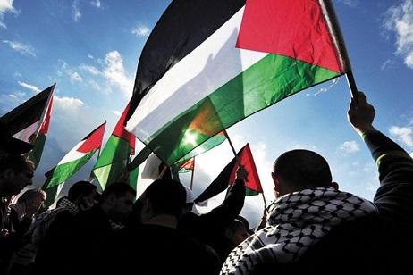 كتاب ومفكرون فلسطينيون: إعادة بناء المنظمة يعيد الاعتبار لقضيتنا