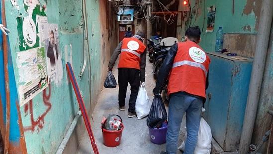 فحص وتوزيع حصص غذائية ومواد تعقيم على المصابين بكورونا في