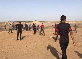 إطلاق النار تجاه مجموعة اقتربت من السياج الفاصل شرق البريج