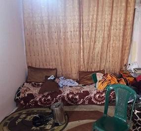 مخيم البريج.. و قصة الأسرة التي تعيش في غرفة واحدة!