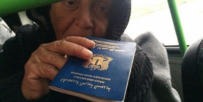دول عربية توقف التعامل بوثائق سفر اللاجئين الفلسطينيين