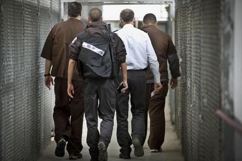 الهروب من السجون الصهيونية: تاريخ حافل بالبطولات والإبداع