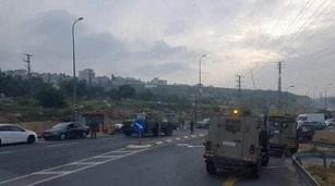 جيش الاحتلال يغلق مدخل مخيم الفوّار جنوبي الخليل
