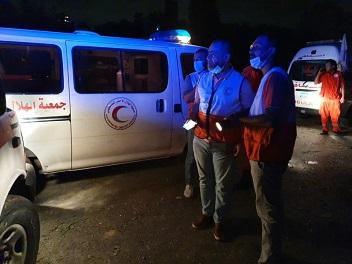 الهلال الأحمر الفلسطيني يشارك بأعمال الإغاثة ببيروت