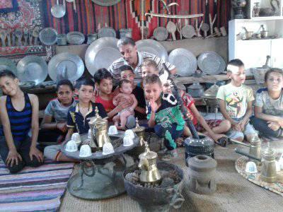 فلسطيني يحوّل منزله في مخيم جرمانا إلى بيت للتراث الفلسطيني