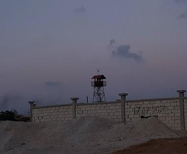 السلطات اللبنانية تنوي تشييد سور وأبراج مراقبة حول
