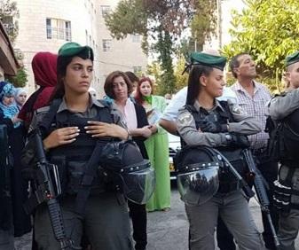 قوات الاحتلال تقتحم عيادة