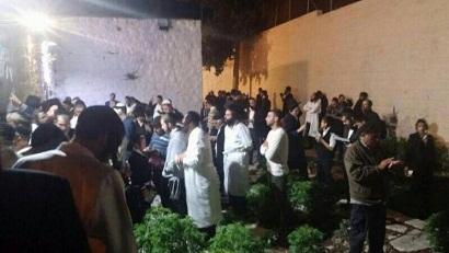 مئات المستوطنين يقتحمون قبر يوسف فجر اليوم