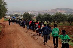 عشرات الأطفال الفلسطينيين يشاركون في مسير كشفي شمال سورية