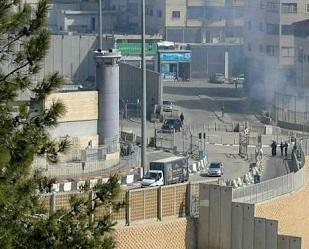 اصابات بمواجهات عنيفة مع جيش الاحتلال في محيط مخيم شعفاط
